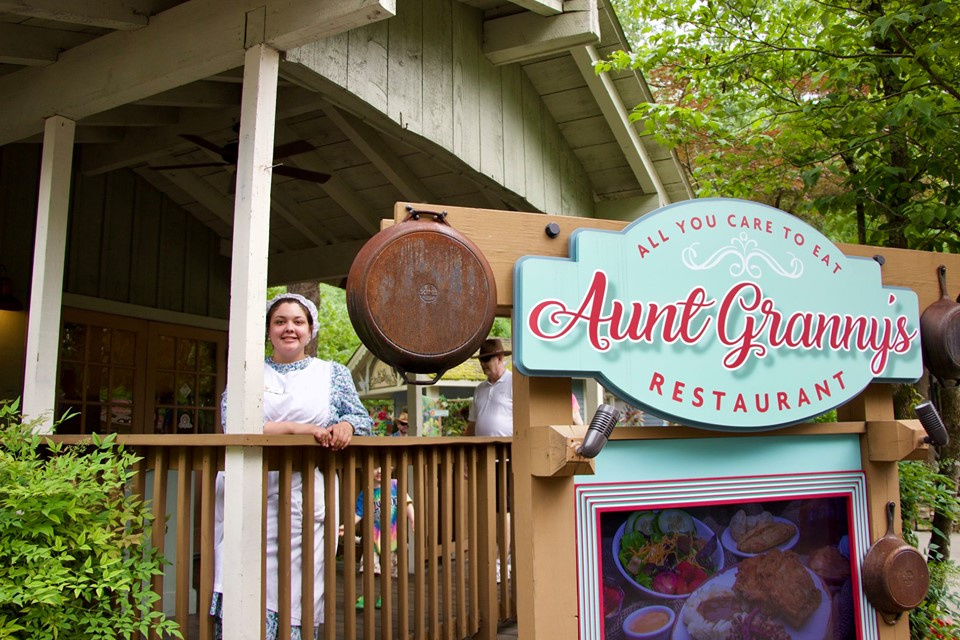 Food at Dollywood : BBQ guide | HH Lifestyle Travel